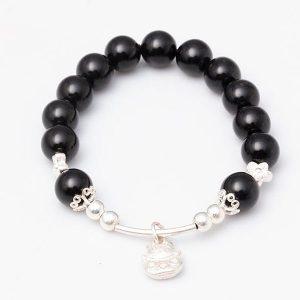 vong-tay-da-nui-lua-obsidian-10-mix-charm-meo-than-tai-treo-bac-999-bmtt02-01